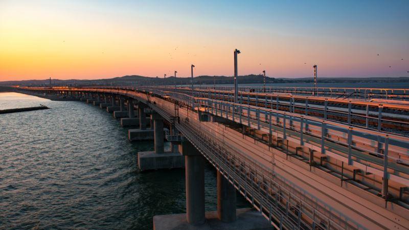В России насчитали около миллиона автомобилей, проехавших за два месяца по Керченскому мосту