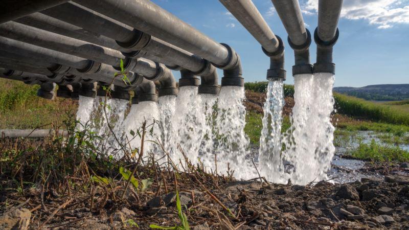 В Крыму начали перекачку воды из Белогорского района в Симферополь под военный оркестр