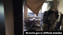 В симферопольской многоэтажке загорелся балкон, есть пострадавший (+фото)