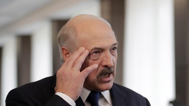 Беларусь: в Минске на кабинках для голосования из-за коронавируса убрали занавески. Буфеты и ярмарки оставили
