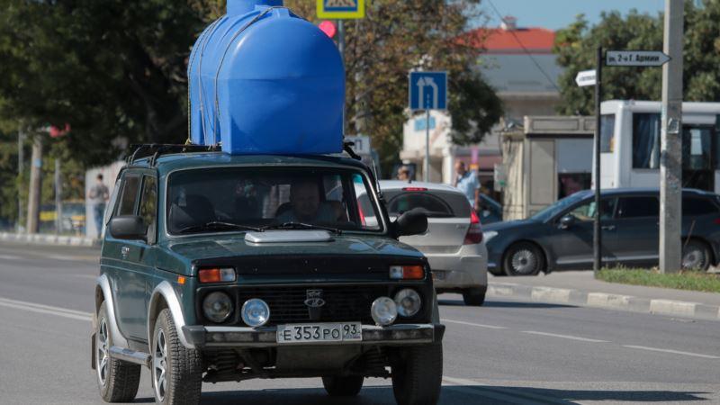 Жители Симферополя сообщили, что готовы делиться водой из своих скважин
