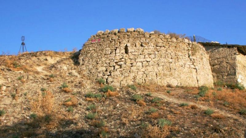 В Крыму башня 14 века – в аварийном состоянии, прокуратура винит власти