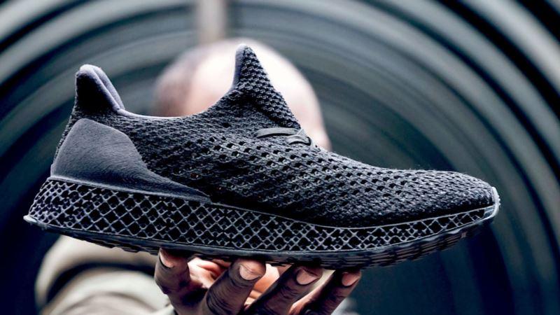 В Узбекистане заявили о планах производить обувь Nike и Adidas