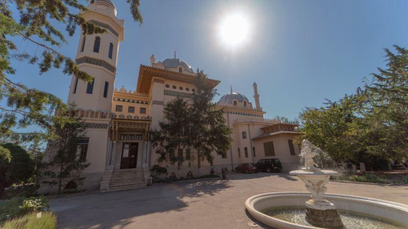 На «табачной» даче Стамболи: из истории знаменитого особняка у набережной Феодосии (фотогалерея)