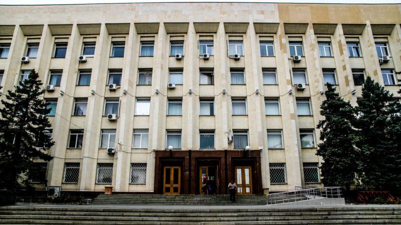 Коронавирус: российские власти Симферополя отменили личный прием граждан