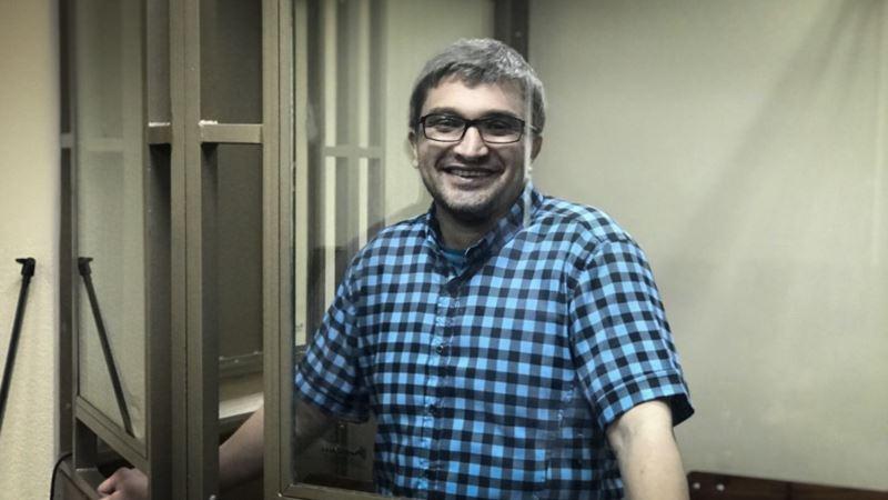 «Даже на день раньше не дали выйти». Защита крымского блогера Мемедеминова обжаловала отказ в УДО