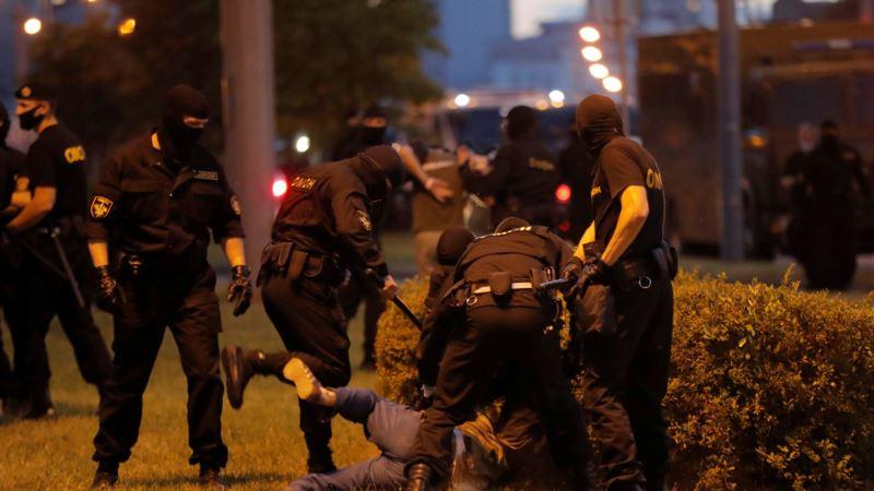 После задержаний в Минске телеграм-канал NEXTA опубликовал имена «белорусских силовиков»