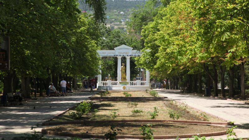 Прокуратура потребовала пересчитать деревья в Феодосии