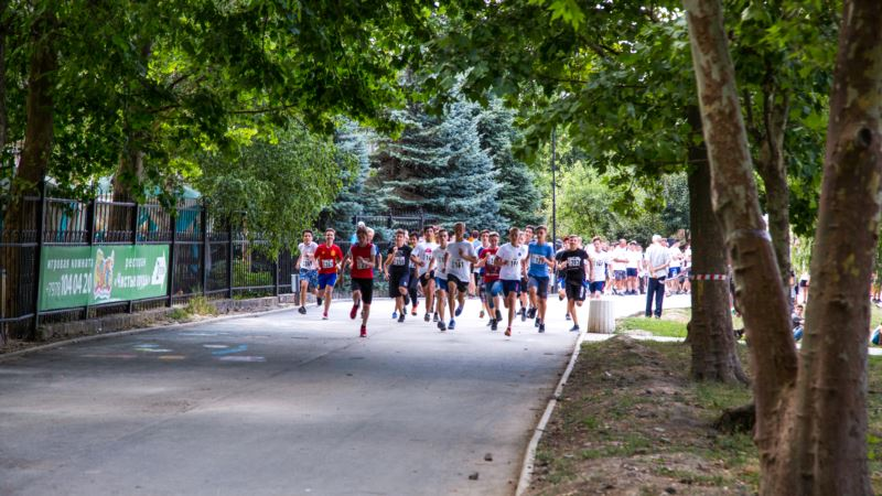 Коронавирус: российские власти анонсировали участие более 2 тысяч человек в марафоне в Евпатории