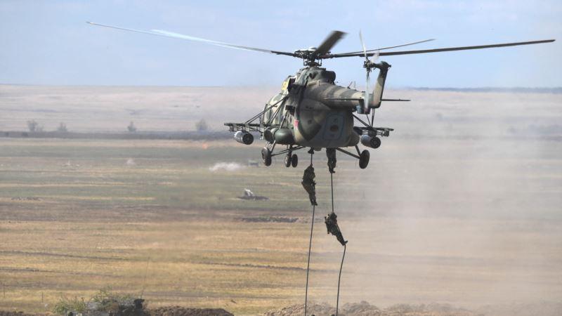 Взрыв на танкере в Азовском море: к поискам трех человек подключат вертолет Ми-8