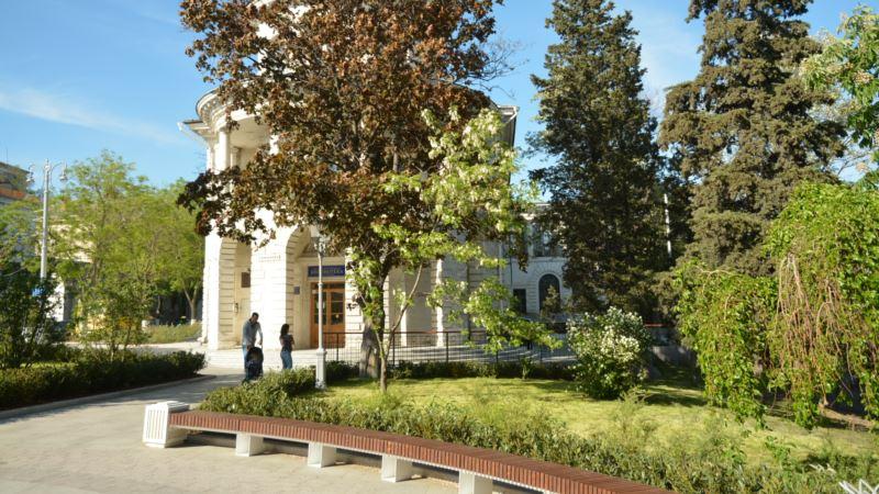 Севастополь: власти потратят более 7 млн рублей на контроль за деревьями