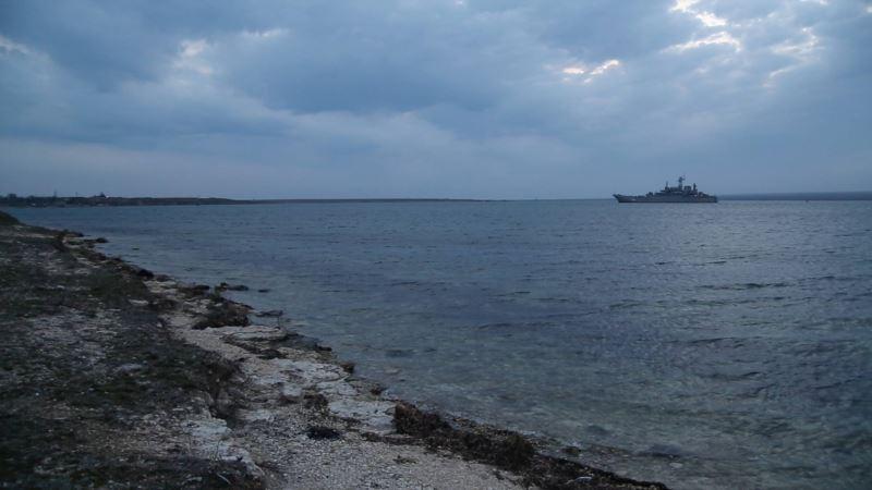 В Крыму намерены продолжать добычу песка на Донузлаве