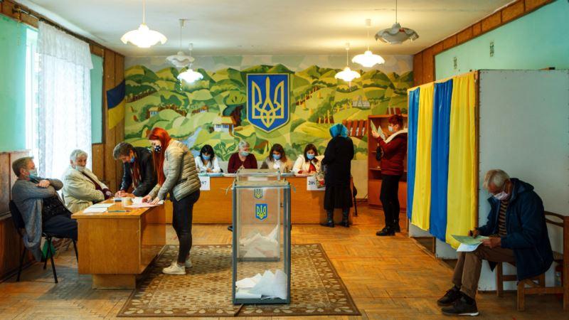Крымчан недостаточно информировали о возможности проголосовать на украинских выборах – аналитик
