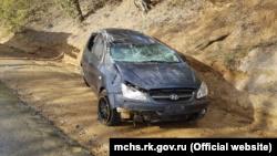 Под Судаком снова опрокинулся автомобиль, есть пострадавшие – спасатели (+фото)