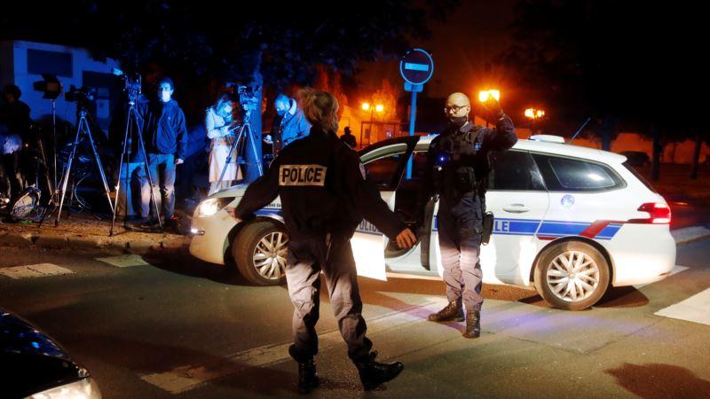 В пригороде Парижа обезглавили учителя, задержаны девять человек