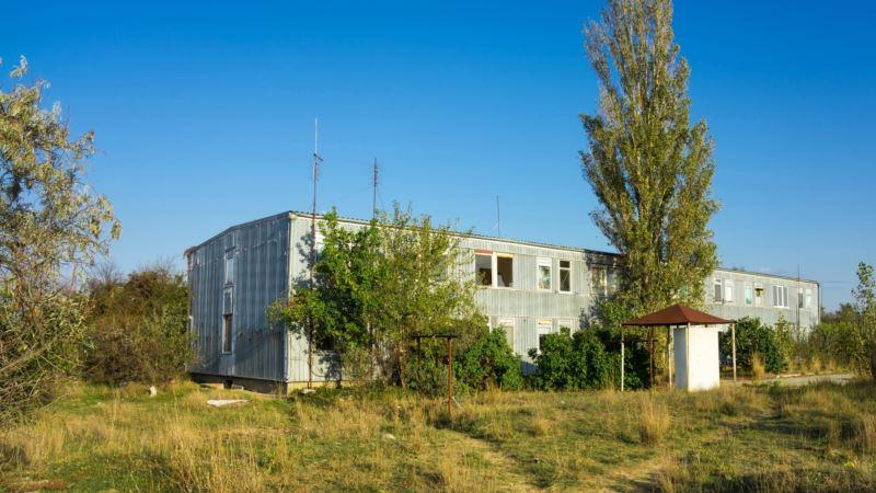 Щелкино с «берлинами»: конец курортного сезона на берегу Азова (фотогалерея)