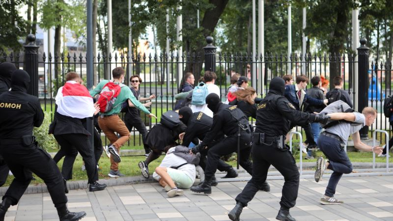 Беларусь: в Минске суд на 13 суток арестовал журналистку Дарью Спевак