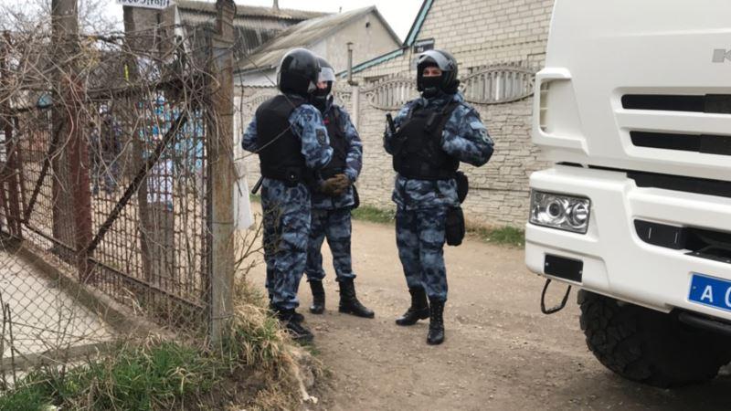ФСБ России утверждает, что задержала в Крыму двух подозреваемых в наркоторговле
