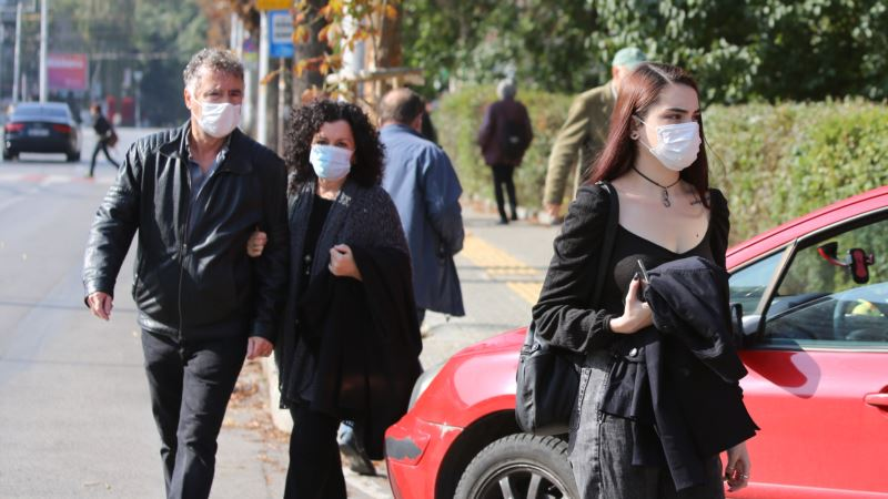 В России и Украине второй день подряд антирекорды по числу новых случаев коронавируса