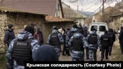 Двух фигурантов дела «Хизб ут-Тахрир» вывезли из Крыма в Россию, местонахождение третьего неизвестно – адвокат