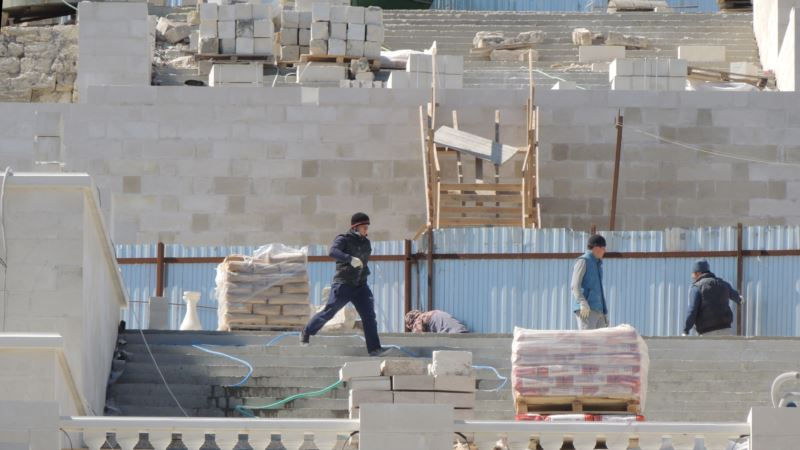 Просроченная уже на два месяца «реконструкция» Митридатских лестниц в Керчи все еще не закончена – власти