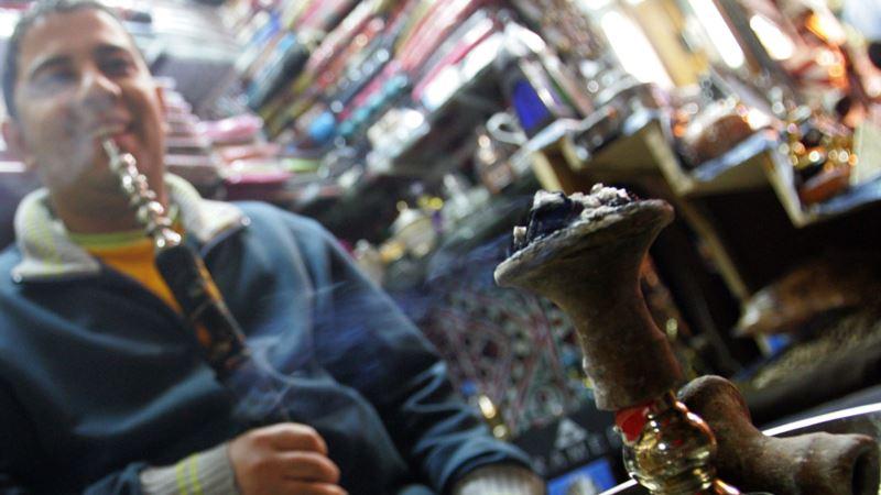В Крыму таможня изъяла тысячи пачек табака для кальяна