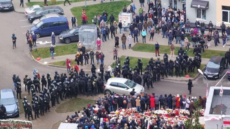 Беларусь: правозащитники сообщают уже о более 900 задержанных