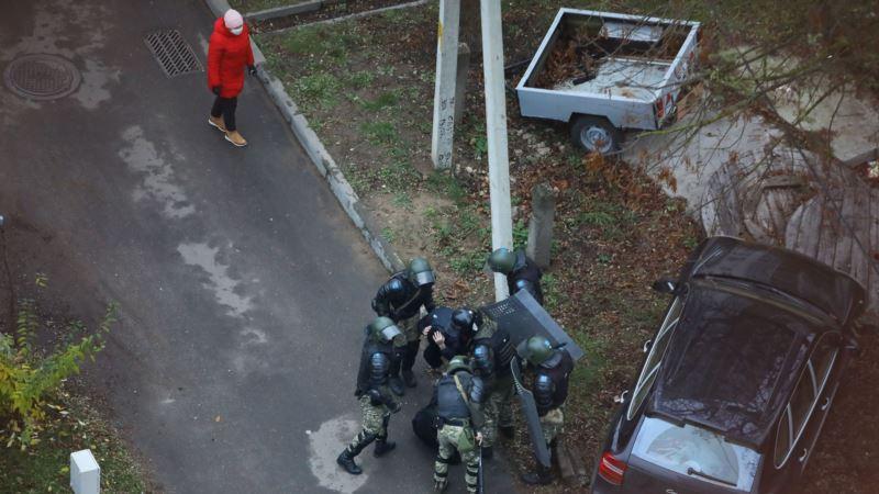 Беларусь: на воскресном марше задержаны не менее 1100 человек