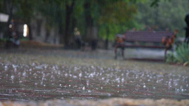 Погода в Крыму: сильный дождь, гроза, местами туман