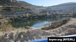 Дефицит воды в Севастополе: жители Инкермана выступили против водозабора из озера (+фото)