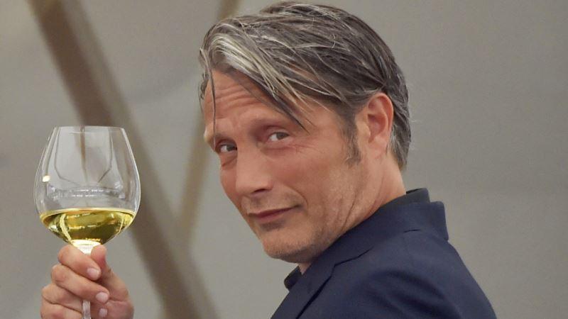Датская трагикомедия «Еще по одной» получила «европейский «Оскар»