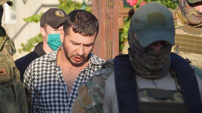 В Крыму начали судить гражданского журналиста Айдера Кадырова