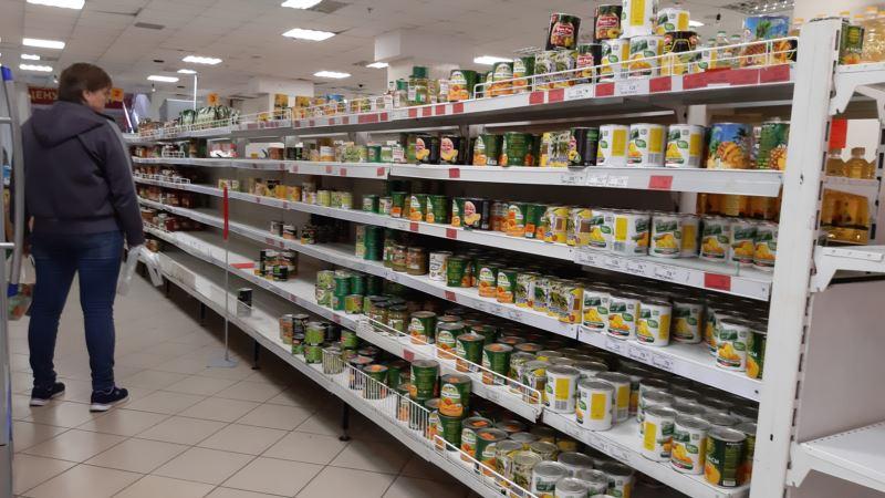 Аксенов признал, что власти не могут контролировать цены на продукты и медикаменты в Крыму