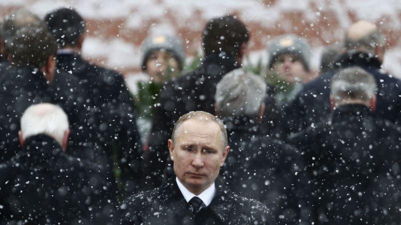 «Нес бремя нескольких лет»: Путин попрощался с уходящим 2020 годом