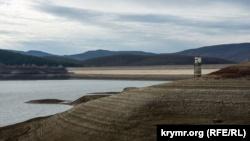 Ялта: уровень воды в Загорском водохранилище упал до критической отметки (+фото)