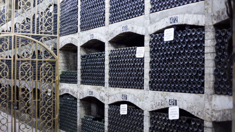 На покупку крымского винзавода «Коктебель» претендуют две компании и физлицо