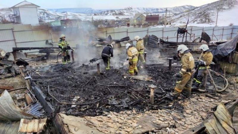 В Коктебеле сгорел двухэтажный дом – спасатели (+фото)