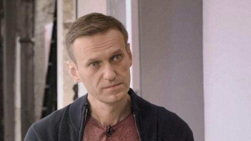 Россия: в аэропорту «Шереметьево» задержали Навального (трансляция)