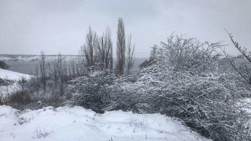 Снегопады, дождь и гололед: спасатели предупреждают о надвигающейся на Крым непогоде