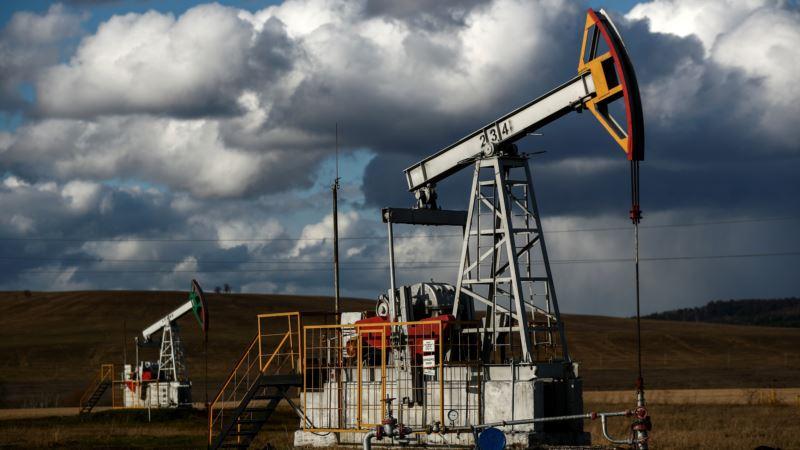 Россия снизила добычу нефти в 2020 году до десятилетнего минимума
