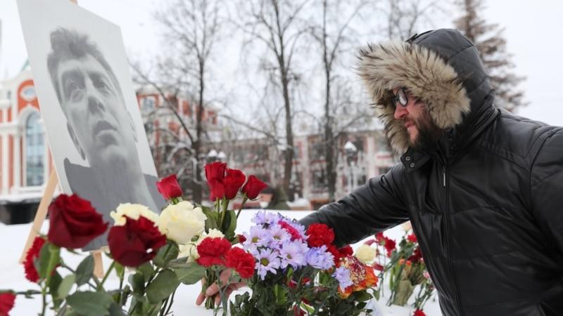 Акции памяти Бориса Немцова в России: СМИ сообщают о задержаниях