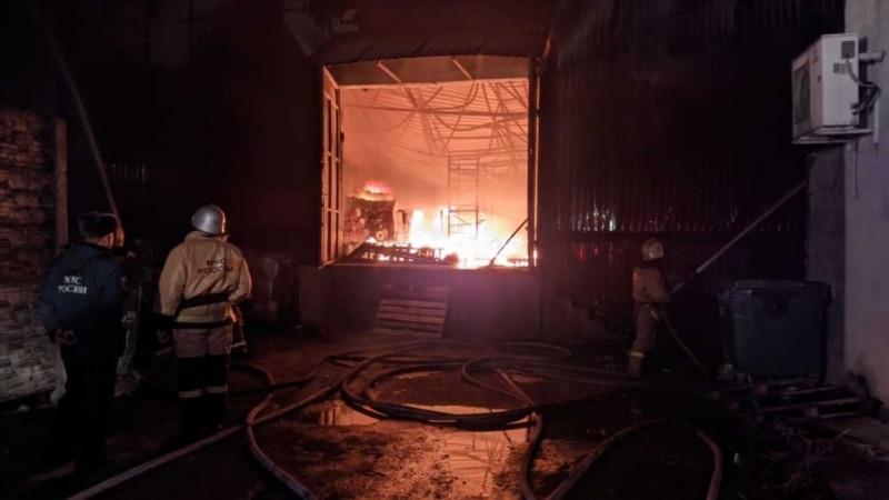 В Севастополе горело бытовое помещение, есть пострадавший – спасатели