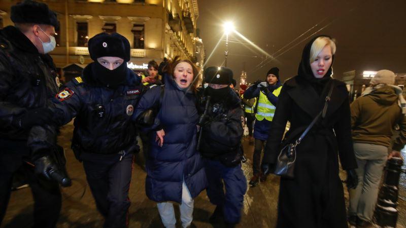 Россия: центр Москвы оцепили силовики, более 50 сторонников Навального задержаны