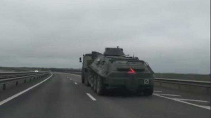 В Крыму сообщают о перемещении российской военной техники по трассе «Таврида» (+видео)
