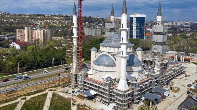 Путина попросили ускорить строительство Соборной мечети в Симферополе