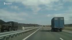 На трассе в районе Бахчисарая заметили колонну российской военной техники (+видео)