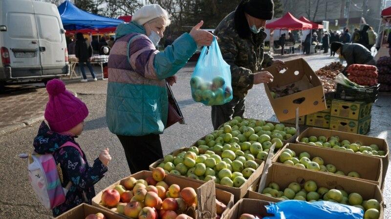 В Крыму подорожали куриное мясо, яблоки и картофель – статистика