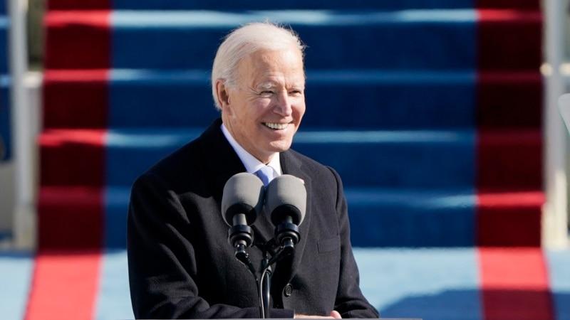 Опрос: 59% американцев одобряют работу президента Байдена