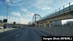Эстакады и мосты построены в российском городе Сочи перед зимней олимпиадой 2014 года