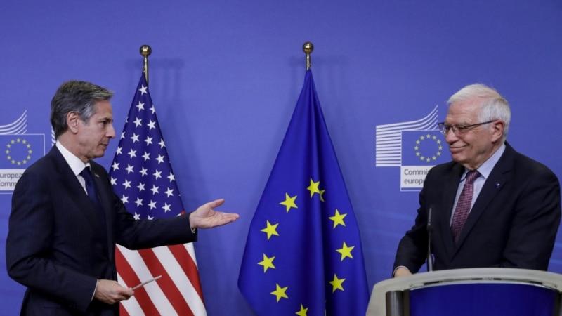 Руководители дипведомств ЕС и США обсудили концентрацию войск России на границе с Украиной и в Крыму